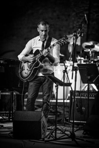 Loïs COEURDEUIL en concert avec le Django Revisited Big Band à l'espace Folard de Morières les Avignon le 27 juin 2015